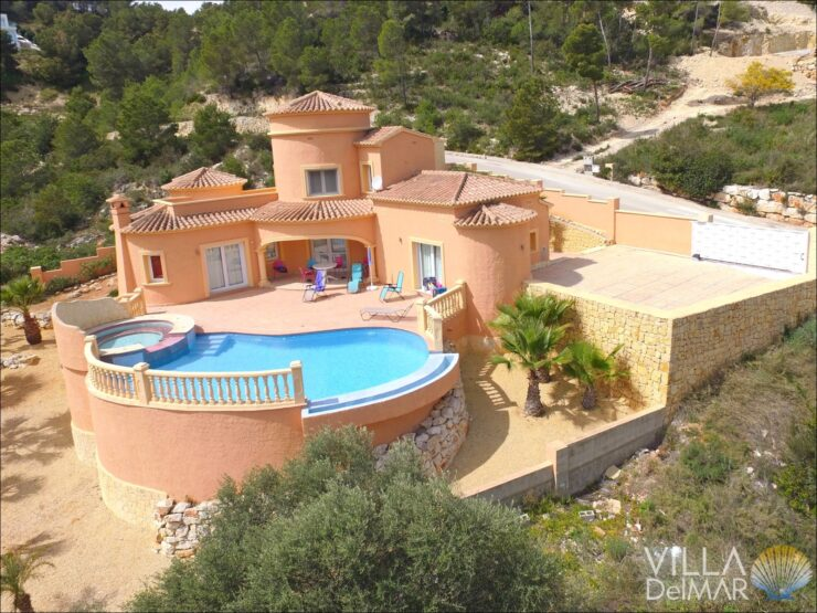 Javea – Villa in a quiet residential area, ready to move in!