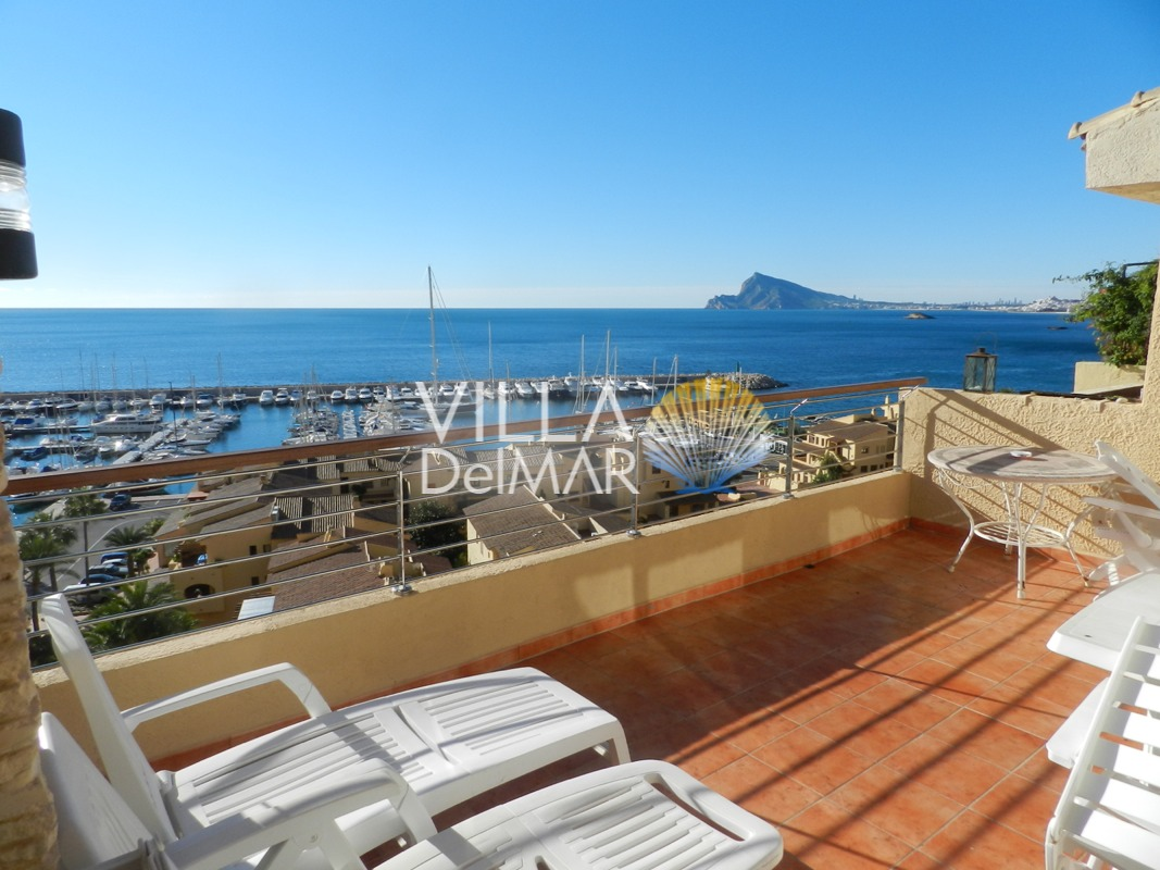"Altea – Penthouse with panoramic sea views in the marina of ""Campomanes""!"
