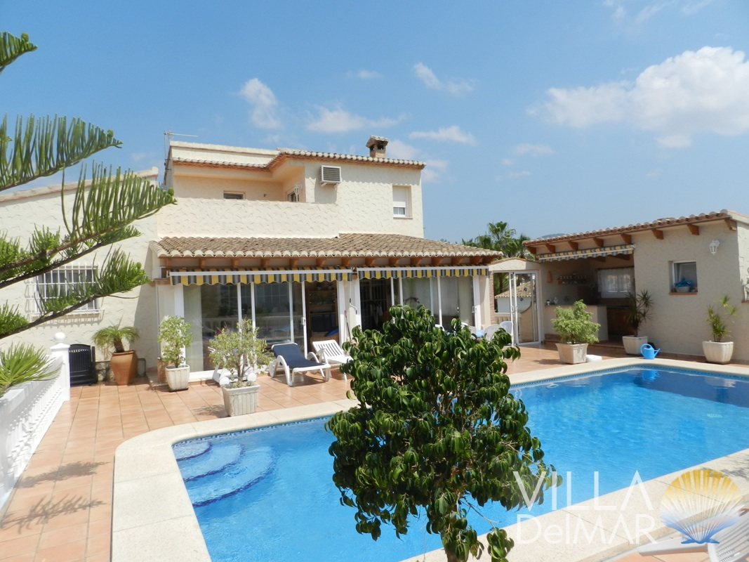 Calpe – Villa in popular residential area, only 800 metres to the beach and all the amenities!
