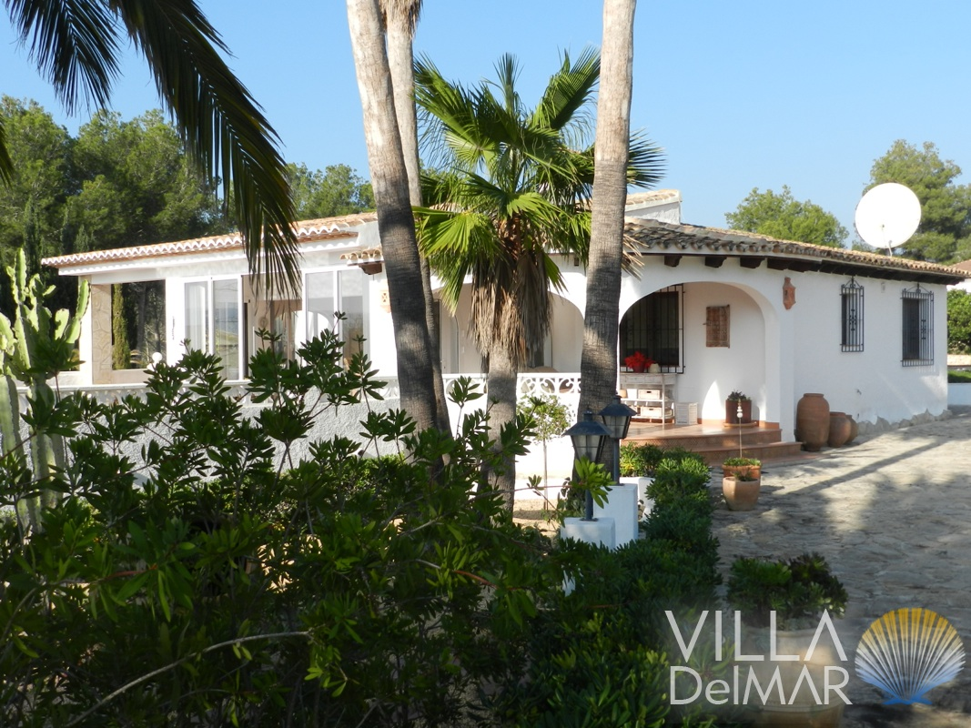 Calpe – Very well maintained property with beautifully landscaped garden!