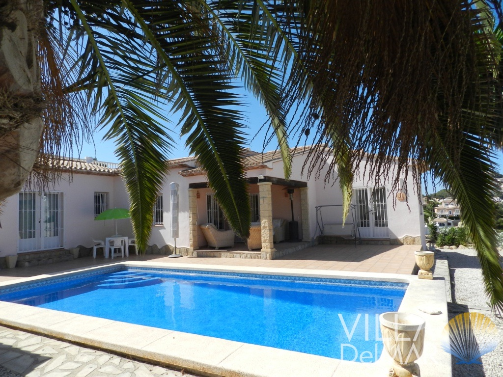 Moraira – Absolutely low-maintenance villa with sea views in a popular residential area!