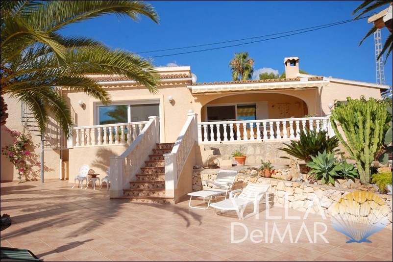 Moraira – Villa with sea views in mint condition and central location!