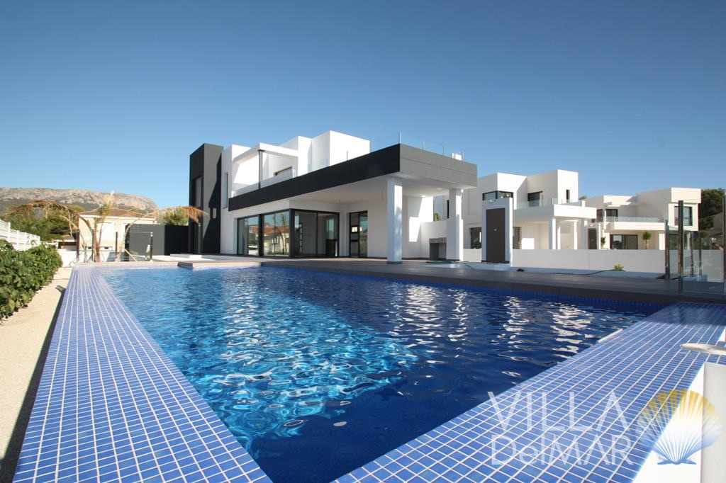 Calpe – This modern new villa will surely not leave any wishes open!