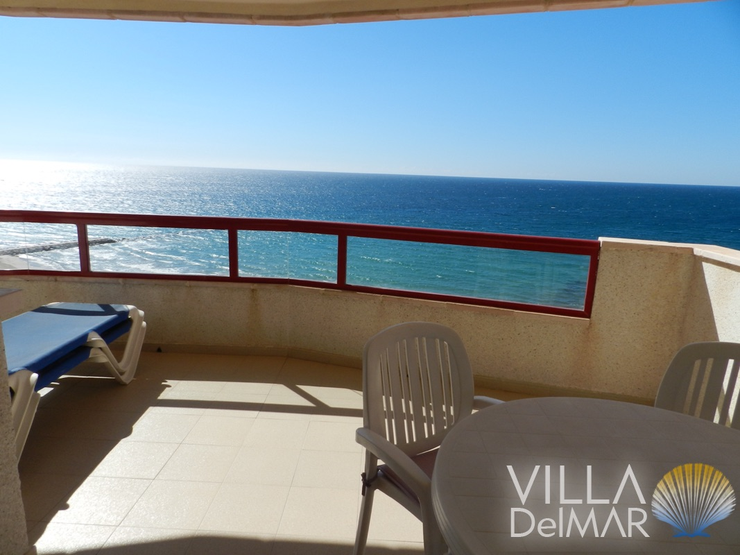 Calpe 2 bed Apartments in second beach line with wonderful sea views!