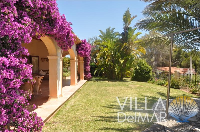 Benissa – Beautiful quality villa with sea views and adapted for the disabled!