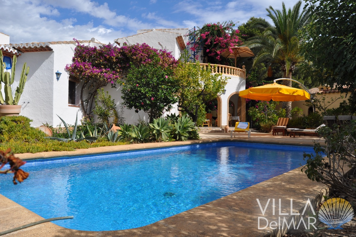 Moraira – Well maintained villa with lots of privacy just 200 metres from the sea!