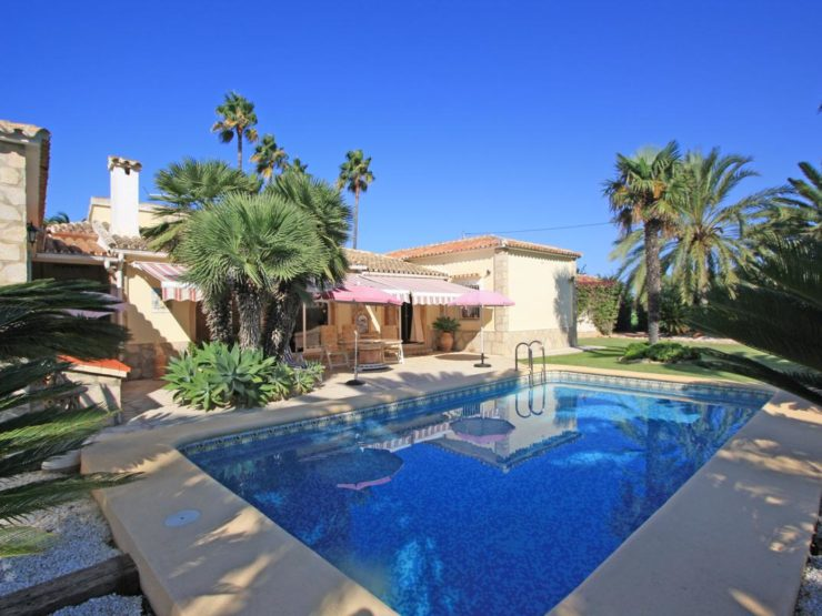 Denia – Magnificent property only 300 meter to the beach!