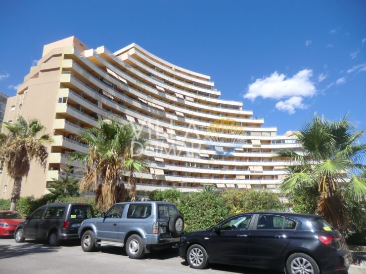 Calpe – 1st sea line apartment in well kept complex with communal pool!
