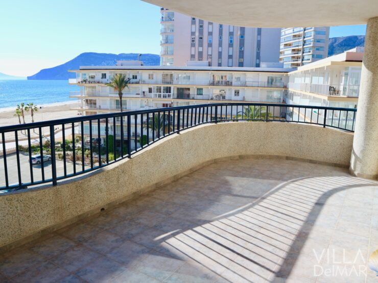 Calpe – Apartment with sea views in 2nd beach line!