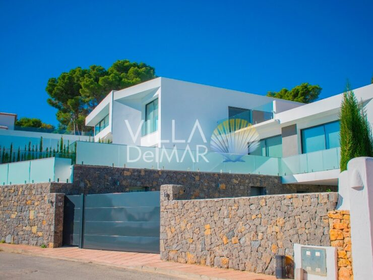 Benissa – Modern new build villa with sea view and all comfort!