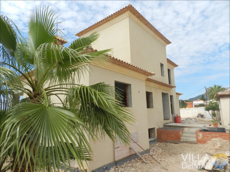 Calpe – Villa in construction for completion close to the center and beach!
