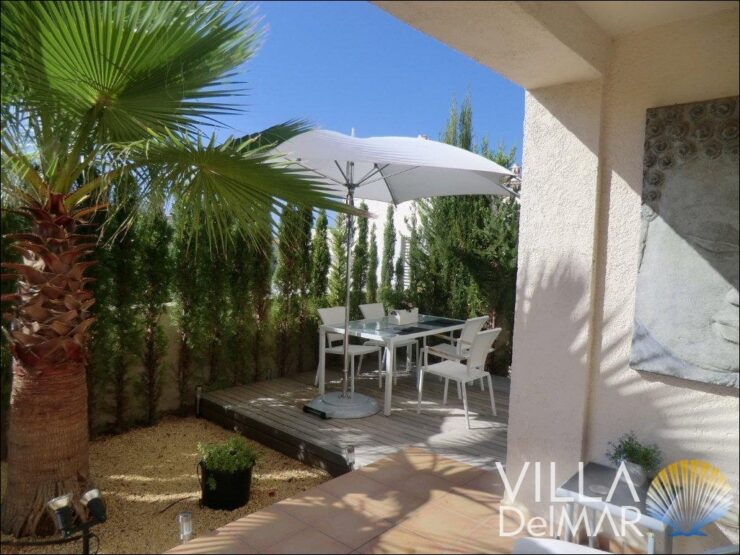 Calpe – Tastefully decorated villa with communal pool!