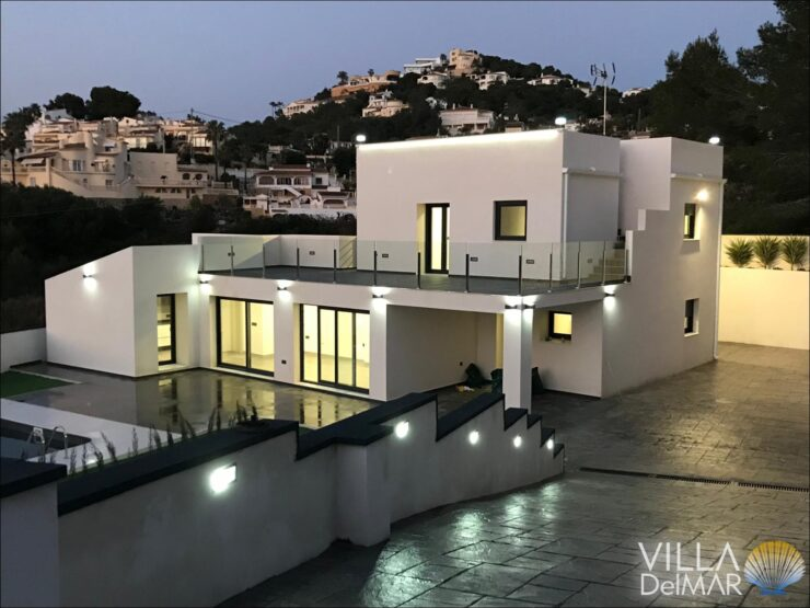 Moraira – Modern villa with open views and easy maintenance plot!