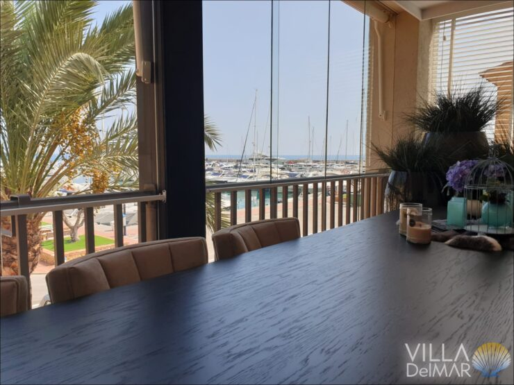 Altea – Exclusif appartement modernisé dans la marina Campomanes!