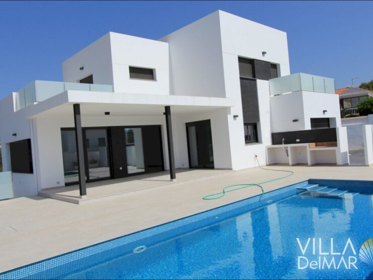 Calpe – Newly built villa just 900 meters to the sea!