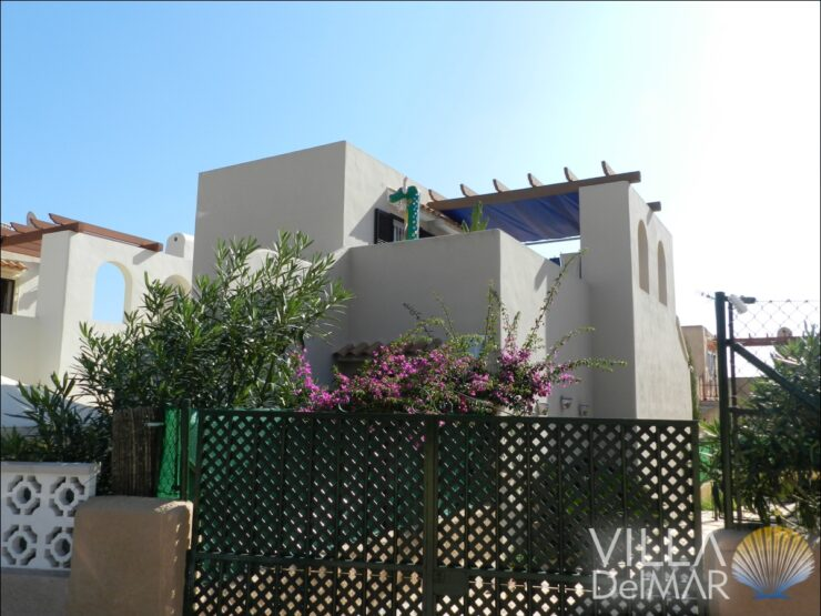 Calpe – Detached bungalow in popular complex with communal pool!