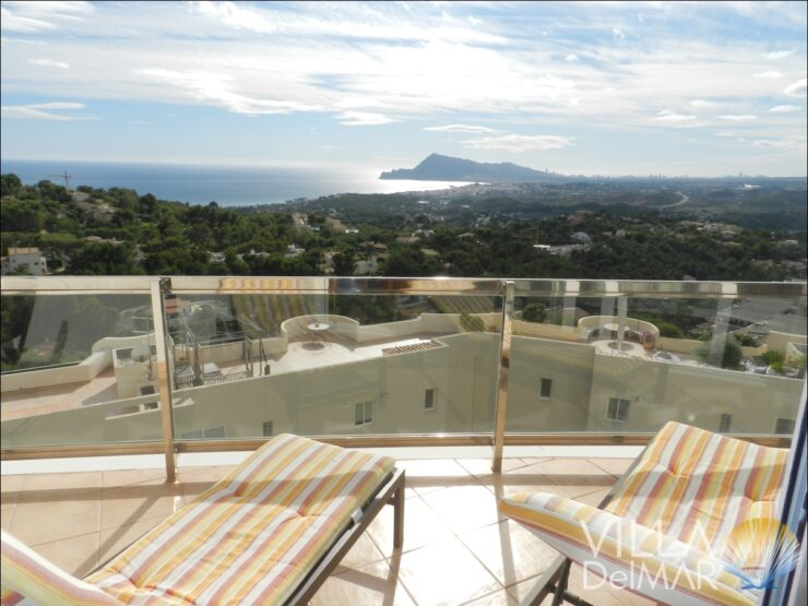Altea – Apartment with stunning panoramic sea and landscape views!