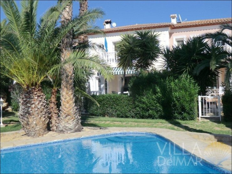 Calpe – Bungalow in preferred residential complex with communal pool!
