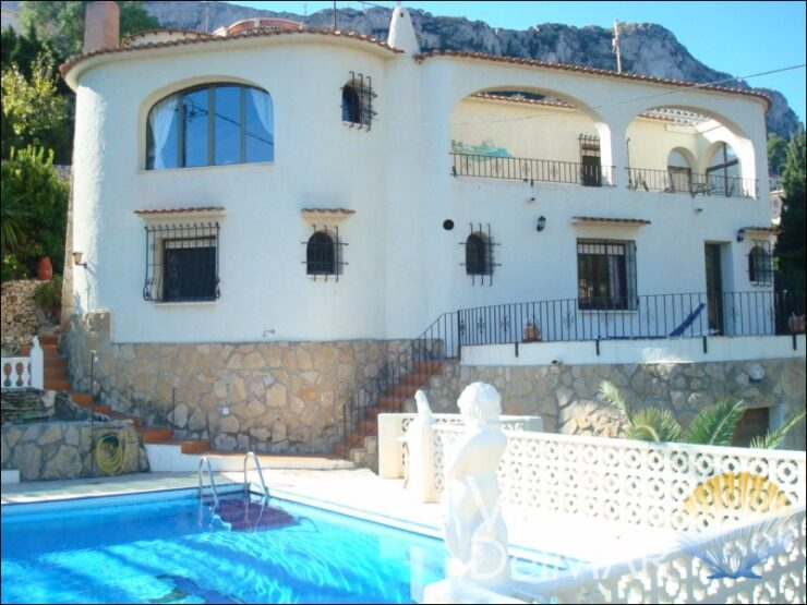 Calpe – Sea view villa with 3 separate apartments!