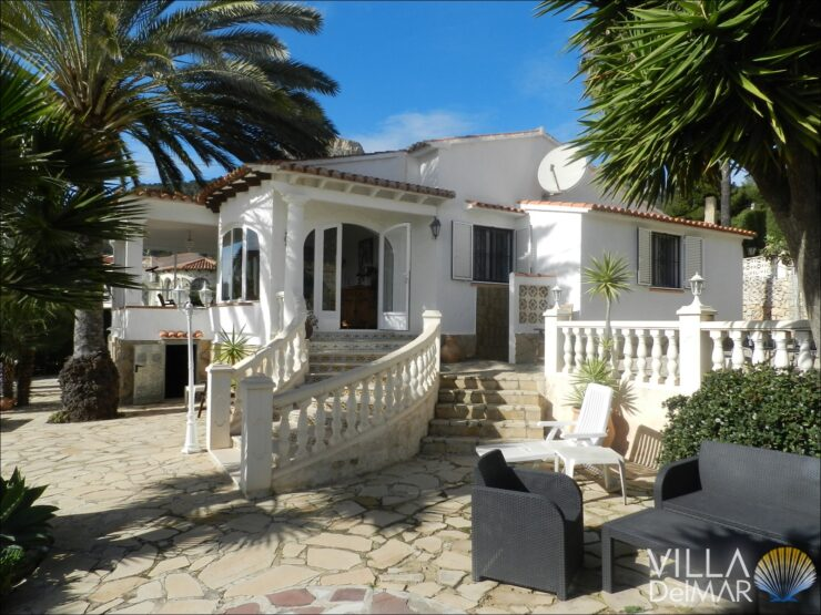 Calpe – Sunny villa with sea views, close to the center, shops and restaurants!