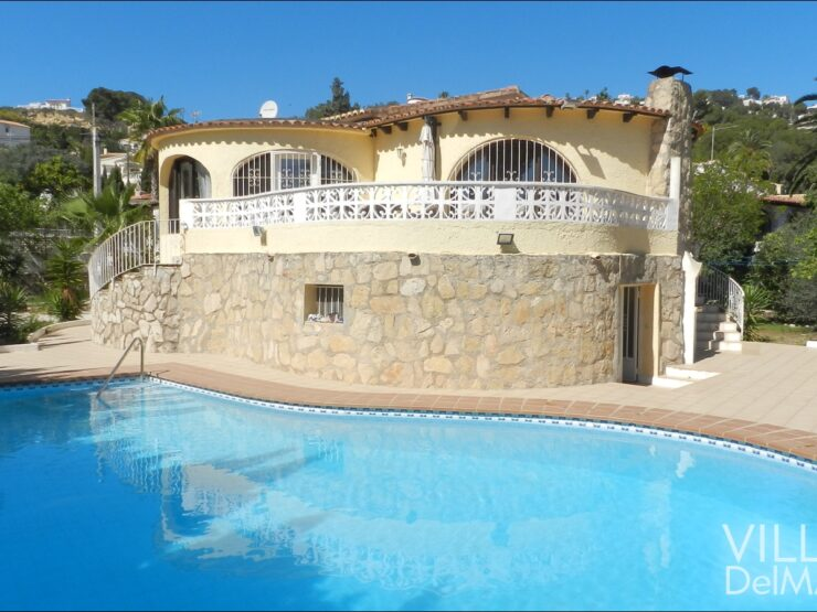 Benissa – Sunny chalet with private pool near the coast and beach!