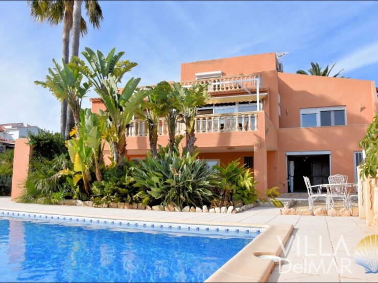 Calpe – Spacious villa with sea view and guest apartment!