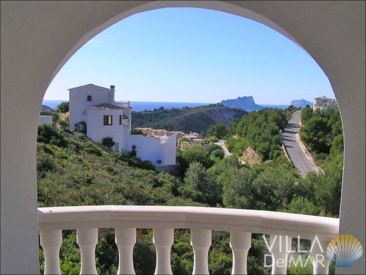 Benitachell -Classical Mediterranean villa with sea views!
