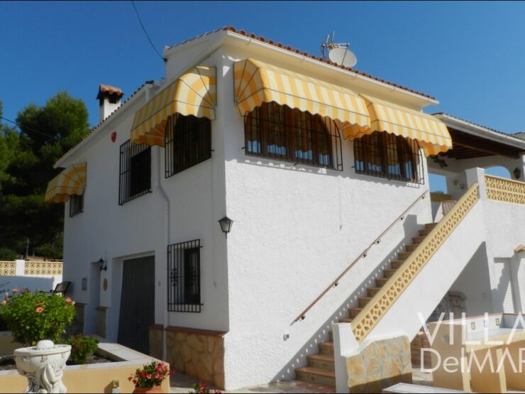 Calpe – Very neat villa with guest apartment, garage and pool, ready to move in !