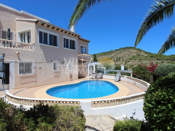 Calpe – Very well-kept property with a large plot and guest apartment!
