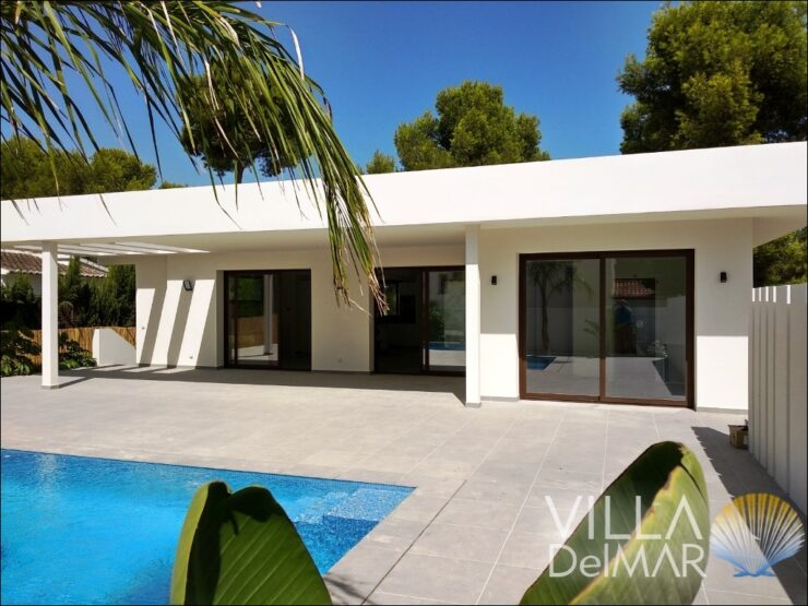 Moraira – Recently new built villa near the beach, center and golf course!