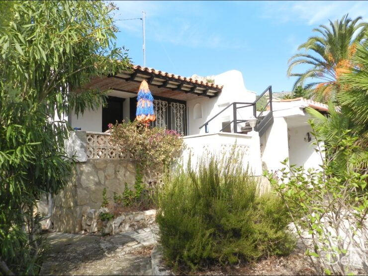 "Calpe – Chalet to modernize only 350 meters to the beach of ""Puerto Blanco!"""