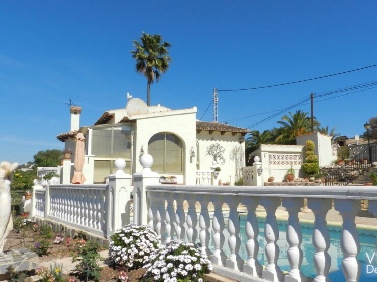 Calpe – Villa in a sunny location with pool, barbecue and beautiful views!